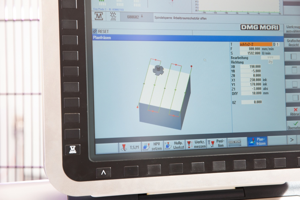 software used for designing and planning workpieces (c) University of Stuttgart/S. Cichowicz