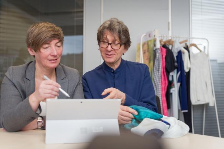 Prof. Meike Tilebein und Thomas Fischer im Gespräch (c) Universität Stuttgart/M. Kovalenko