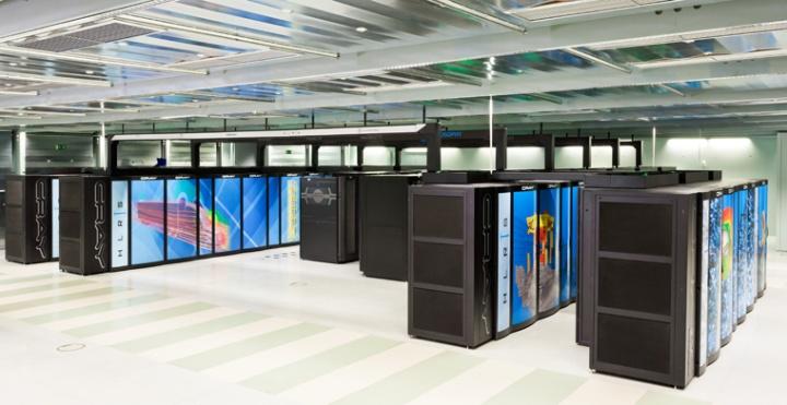 Supercomputer Hazel Hen am Höchstleistungsrechenzentrum der Universität Stuttgart. (c) Boris Lehner/HLRS
