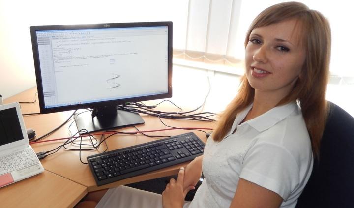 Dr. Victoria Grushkovskaya (c)