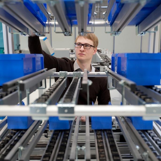 Lernfabrik des Instituts für industrielle Fertigung und Fabrikbetrieb