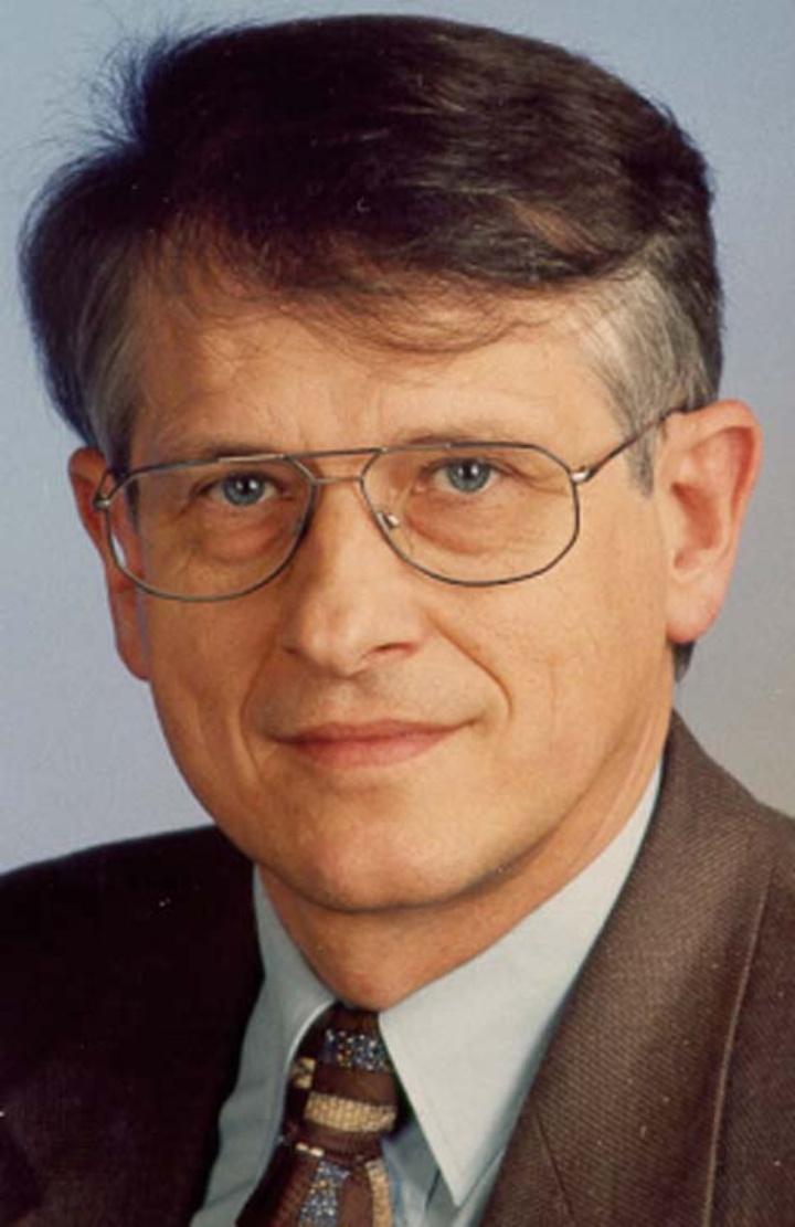 Klaus von Klitzing (c)