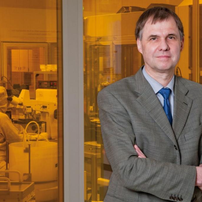 Prof. Dr. Joachim Burghartz: 2014 IEEE Jewell James Ebers Award, Landesforschungspreis 2010