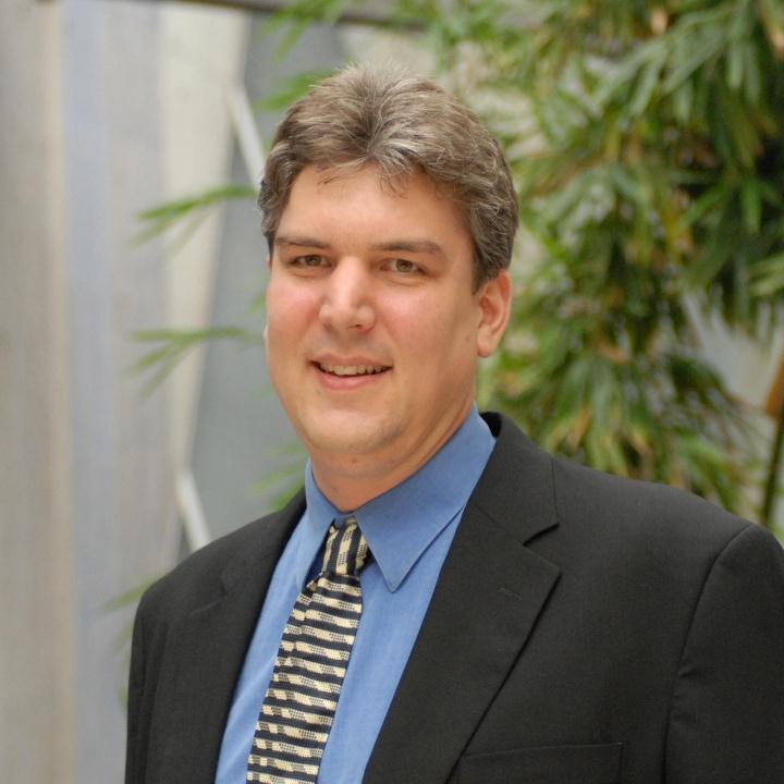 Prof. Oliver Röhrle (c)