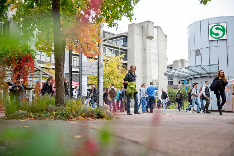 Der Campus Vaihingen hat eine sehr zentral gelegene S-Bahn-Haltestelle.