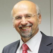 Dieses Bild zeigt Prof. Dr. Manfred Berroth