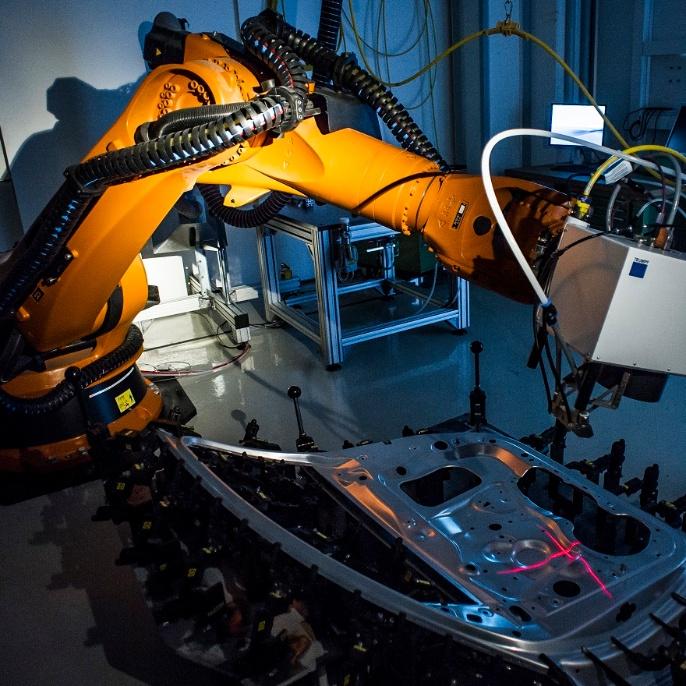 Roboterstation für Remotelaserschweißen