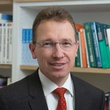Dieses Bild zeigt Prof. Dr. Kai Hufendiek