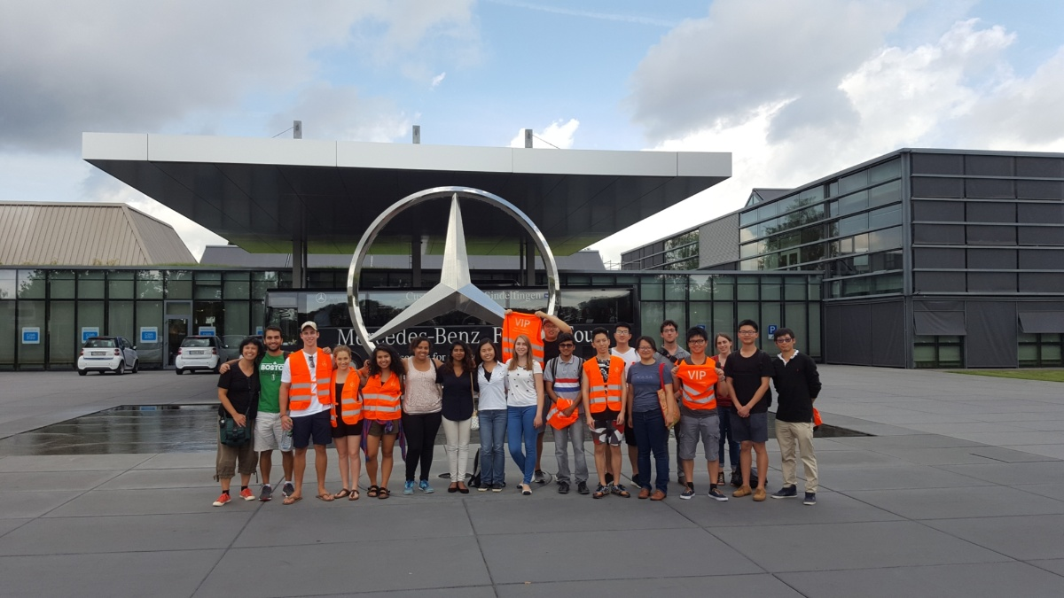 Factory tour Mercedes-Benz  (c)