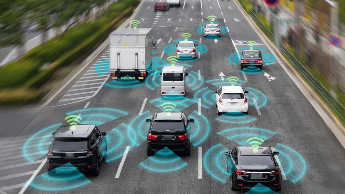 Autonomes und vernetztes Fahren als Schlüsseltechnologie der Automobilindustrie  Adobe Stock