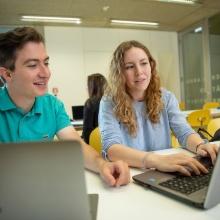 Digitale Angebote und IT-Fragen C@MPUS, ILIAS, SIAM, Webmail, Webex: verschiedene digitale Angebote sind fester Bestandteil Ihres Studiums.
