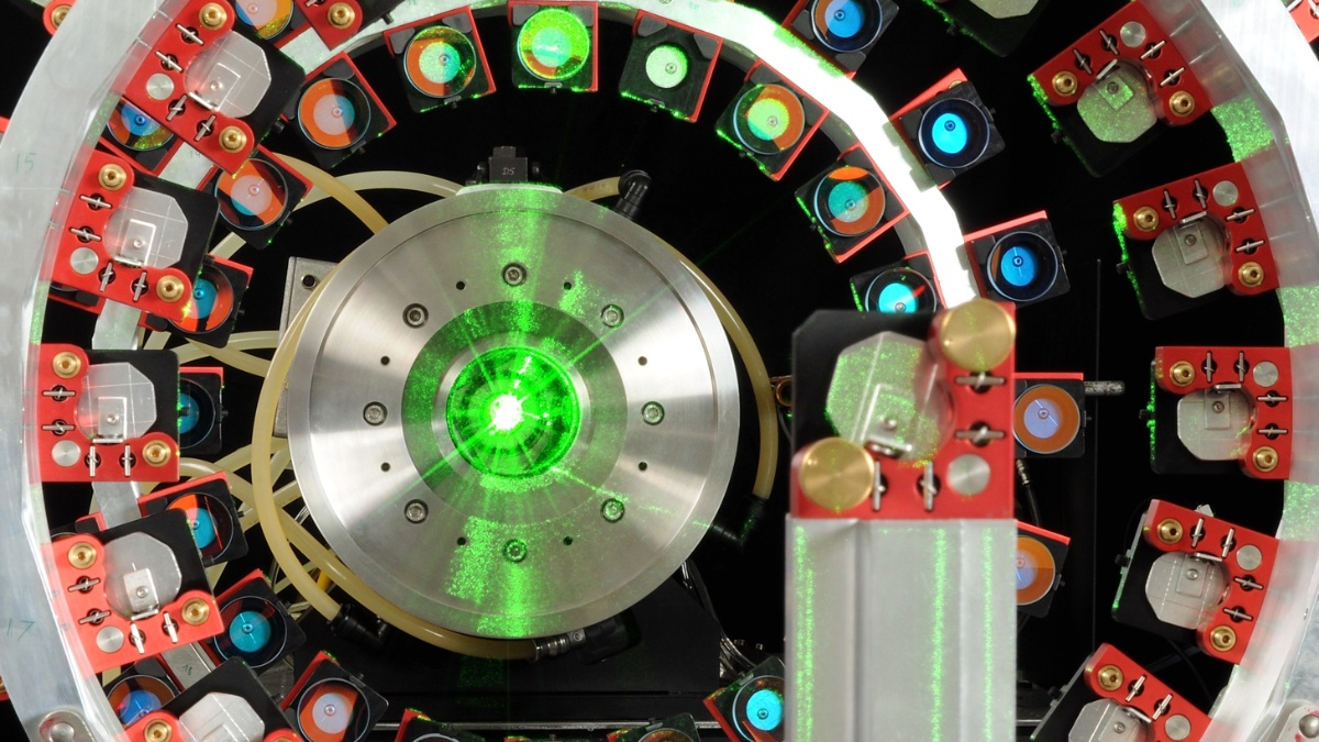 Laser Multipass Verstärker