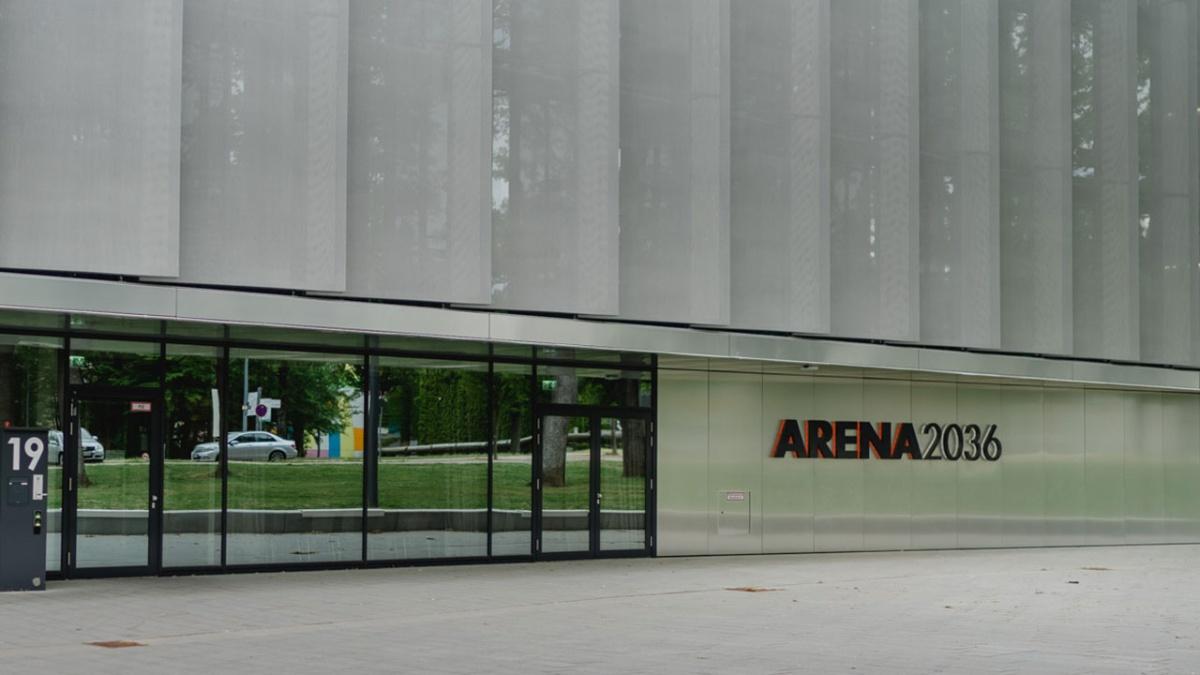 ARENA2036 - Ein Forschungscampus, eine öffentlich-private Partnerschaft für Innovationen   Die hochflexible Forschungsplattform für Mobilität und Produktion der Zukunft verbindet die Universität Stuttgart mit namenhaften Wirtschaftspartnern in einem spannenden Forschungsfeld. Forschen Sie mit im Rahmen von studentischen Arbeiten. Foto: Ludmilla Parsyak