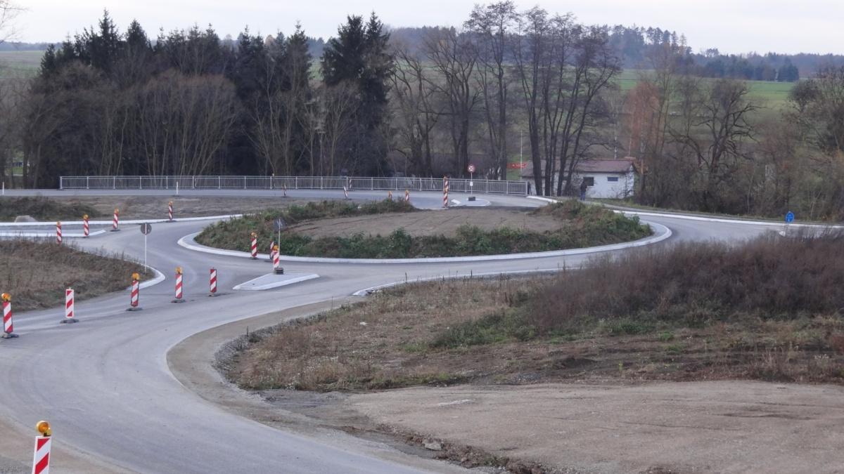 Im Bau befindlicher Kreisverkehr  Foto: ISV-SuS
