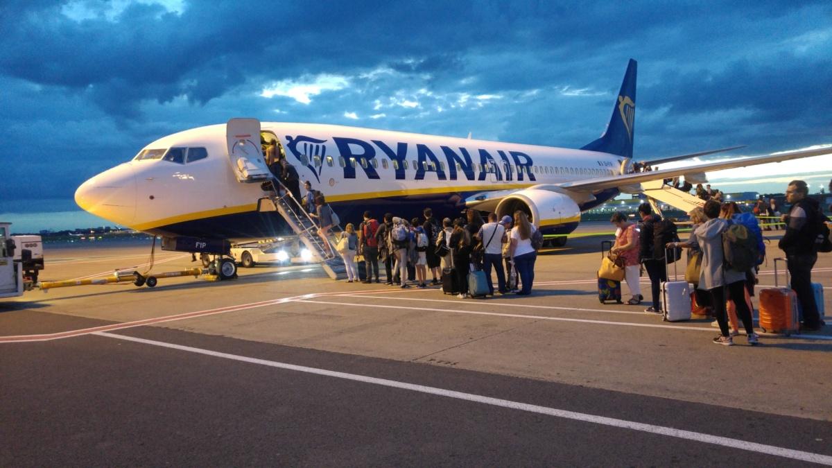 Boarding am Flughafen Brüssel  IEV