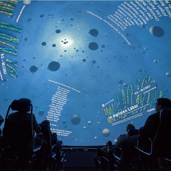 Foto 6: Film über Simulationen auf der Kuppel des Planetariums.