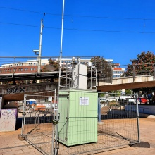 Messcontainer für Luftqualität am Stuttgarter Marienplatz