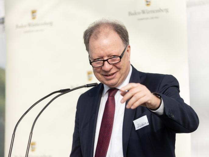 ZAQuant Eröffnung am 8.10.2021 - Prof. Ressel spricht.