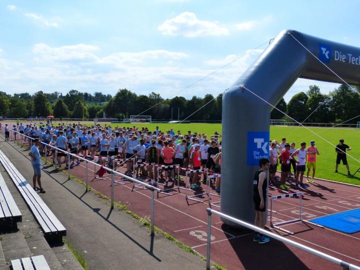 Kurz vor dem Start: Trotz 28 Grad warmer Temperaturen nahmen rund 250 Läuferinnen und Läufer mehr teil, als im Vorjahr
