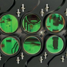 Array of mirrors of the thin film multipass booster