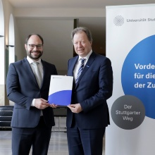 Dr. Josef Arweck, Chairman of the Ferry Porsche Foundation, and Prof. Wolfram Ressel, Rector of the University of Stuttgart, after signing the deed of donation for the professorship for corporate history