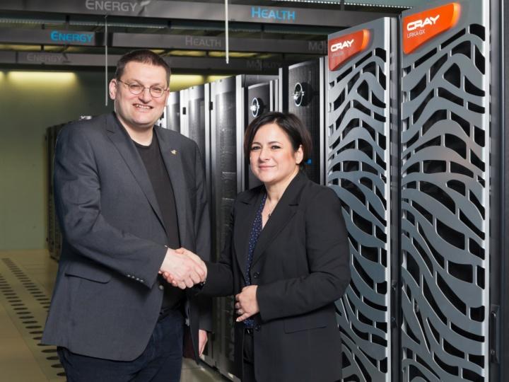 Prof. Dr. Michael M. Resch (HLRS) and Nurcan Rasig (Cray) at the handover of the Cray Urika-GX.  (c) Foto: Boris Lehnert.