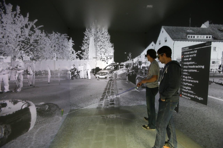 Augmented reality in vehicle development and safety research. (c) University of Stuttgart/HLRS