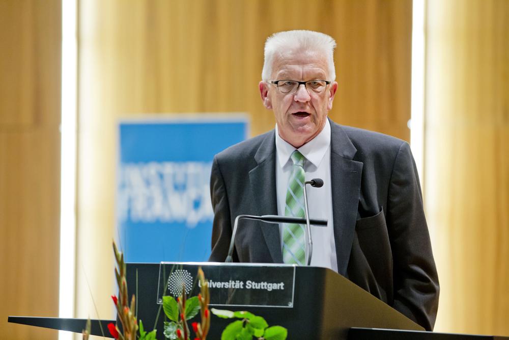 Ministerpräsident Winfried Kretschmann  (c) Universität Stuttgart / Uli Regenscheit