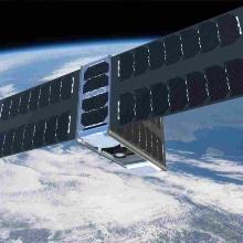 Modell des geplanten EIVE-Nanosatelliten im niederen Erdorbit