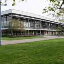Die seit April 2018 denkmalgeschützte Universitätsbibliothek auf dem Campus Stadtmitte.
