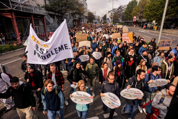 In Stuttgart alone, around 1 000 university students and employees came out to protest.