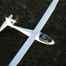 battery-powered electric aircraft e-Genius