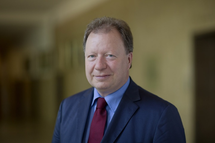 Rektor Prof. Wolfram Ressel.  (c) Universität Stuttgart