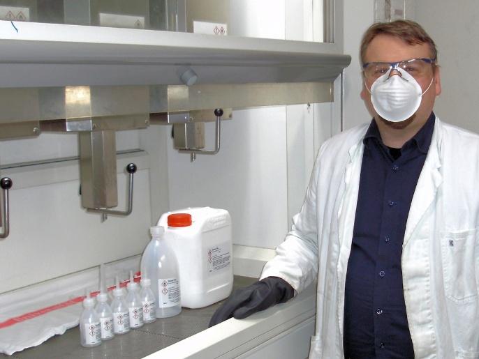 Produktion von Desinfektionsmittel Insitut für Organische Chemie