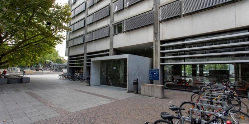 Haupteingang EG Keplerstraße 17<br/>