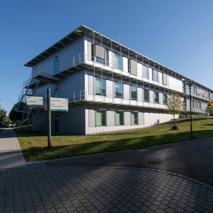 Gebäudeansicht Allmandring 31 Anbau