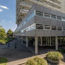 Dieses Bild zeigt Naturwissenschaftliches Zentrum I / Universitätsbibliothek Vaihingen