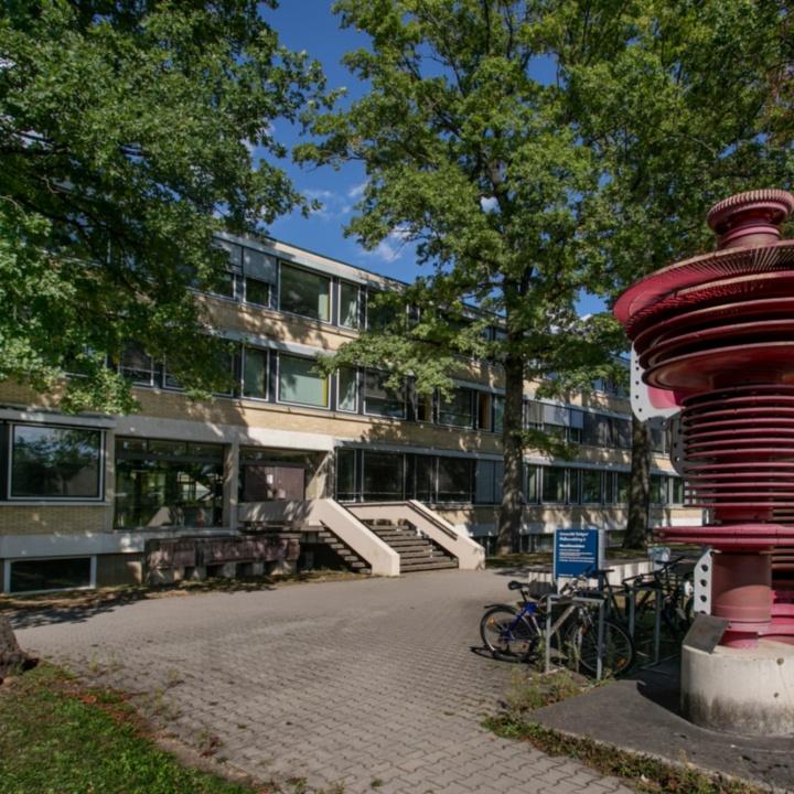 Gebäudeansicht Pfaffenwaldring 6