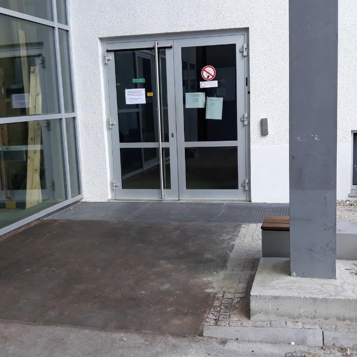 Barrierefreier Eingang Allmandring 5b