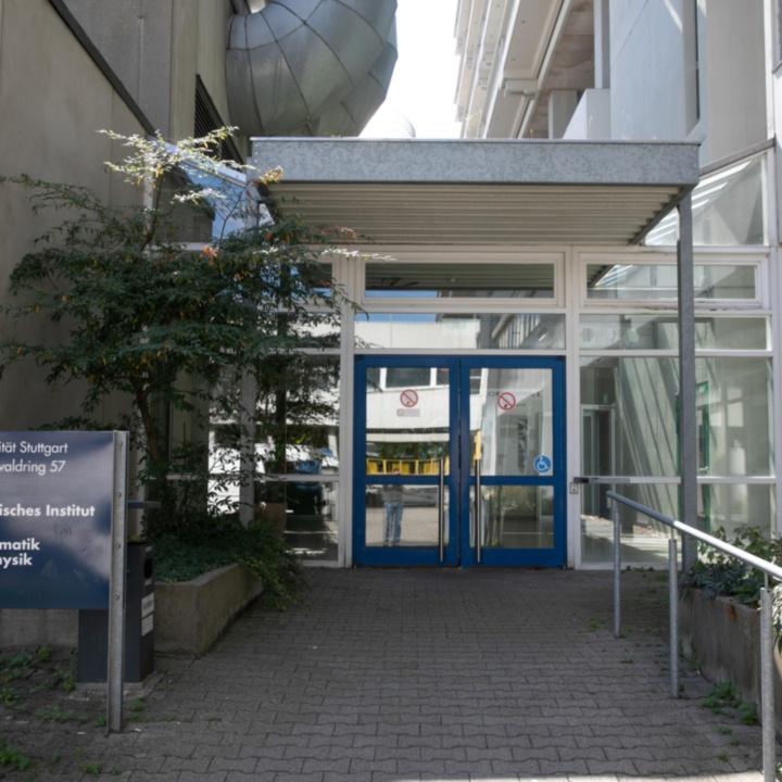 Main Entrance Pfaffenwaldring 57