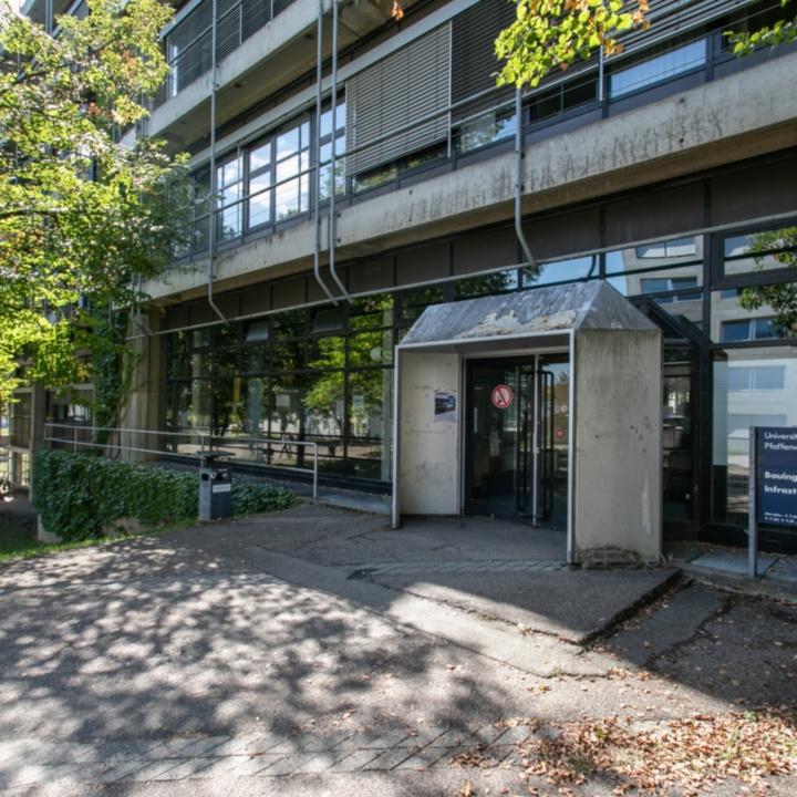 Main Entrance Pfaffenwaldring 7