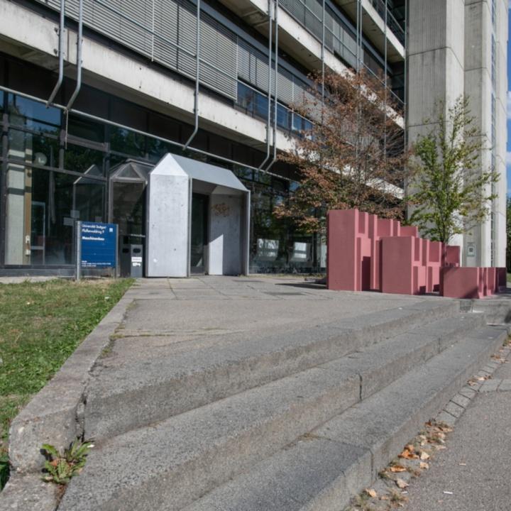 Main Entrance Pfaffenwaldring 9