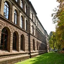 Dieses Bild zeigt Das Verwaltungsgebäude Keplerstraße 7 in der Stadtmitte