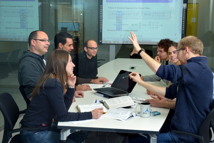 Researchers from different disciplines collaborate in the SimTech Excellence Cluster. (c)